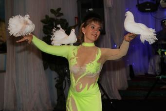 Светлана Терентьева - пластика, гибкость, уникальная дрессура питона,голубей и собачек