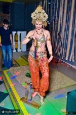 Нонна Некрасова ,повелительница огня и ножей, завораживает костюмами и фокусами_11