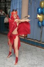 Нонна Некрасова ,повелительница огня и ножей, завораживает костюмами и фокусами_14