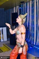 Нонна Некрасова ,повелительница огня и ножей, завораживает костюмами и фокусами_4