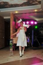 Нонна Некрасова ,повелительница огня и ножей, завораживает костюмами и фокусами_9