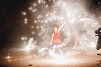 Огненное и световое шоу Volga Vibes